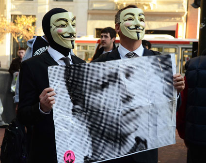 Anonymous_Bradley_Manning