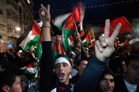 palestinians-celebrate